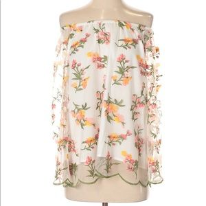 Beautiful Nanette Lenore Floral Embroidered Top
